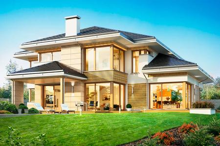 Большой двухэтажный дом с камином